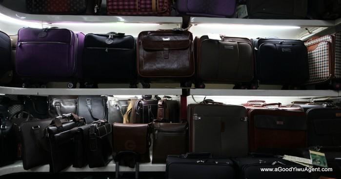 bags-purses-luggage-wholesale-china-yiwu-047