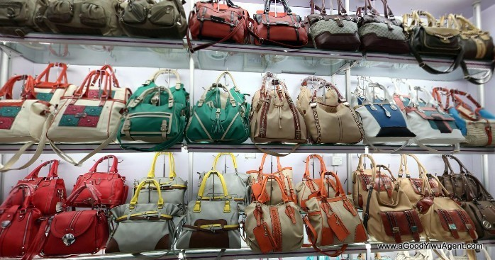 bags-purses-luggage-wholesale-china-yiwu-221