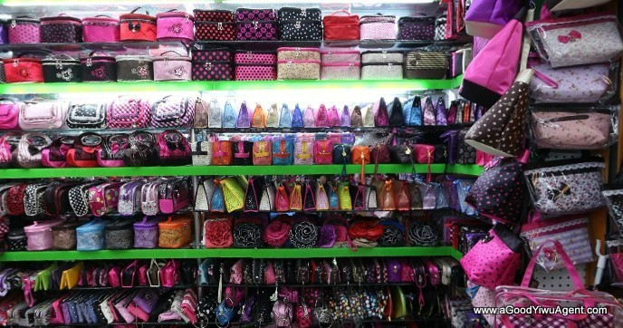bags-purses-luggage-wholesale-china-yiwu-300