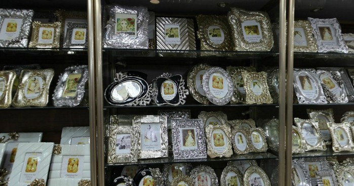 pictures-photo-frames-wholesale-china-yiwu