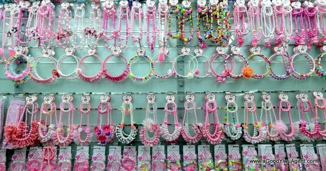 hair-accessories-wholesale-china-yiwu-106