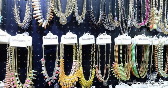 jewelry-wholesale-yiwu-china-240